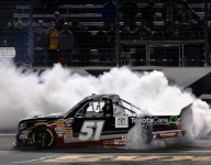 Trucks: Kyle Busch smokes 'em late at Texas