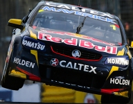 V8 Supercar: Whincup denies Slade first victory