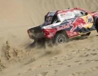 Peugeot/Toyota Dakar battle heats up on Stage 3