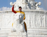 Hunter-Reay roars back to Victory Lane after many close calls