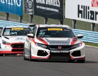 Eversley holds off Lewis for Glen TCR win