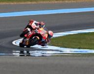 Marquez edges Rossi for Thailand pole