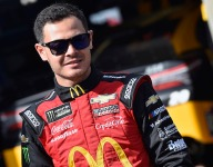 Larson extends olive branch to Hendrick