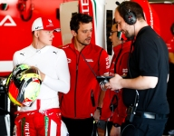 Schumacher determined not to be distracted from F2