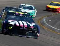 Johnson back among the leaders in Phoenix