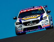 Hinchcliffe, Rossi persevere to Bathurst finish