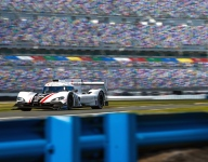 Mazda ends opening day of Roar test on top