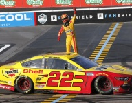 Logano powers through at Phoenix
