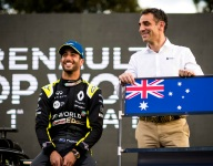Ricciardo not bothered by Renault focus on Alonso