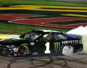 Kurt Busch scores hometown win in Round of 12 opener at Las Vegas