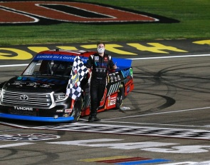 Hill wins in Las Vegas, earns spot in next round of Truck Series Playoffs