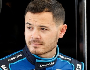 Larson cleared for NASCAR return