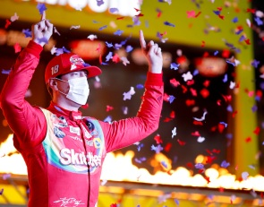 Kyle Busch ends win drought in Texas