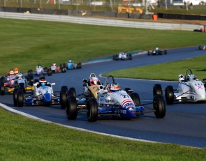 Top 5 for Aron, top 10 for Lee in Formula Ford Festival
