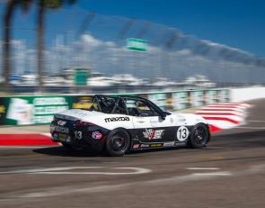 Noaker dominates St. Pete finale, Carter clinches MX-5 Cup crown