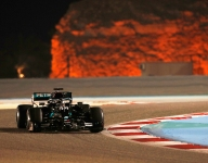 Hamilton tops Verstappen in Bahrain night practice