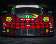 Vanthoor joins Pfaff Porsche line-up