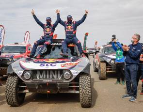 Peterhansel clinches record 14th Dakar win