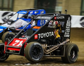 Larson, Bell and McIntosh claim Chili Bowl preliminaries