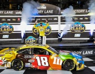 Leaders' last-corner tangle gifts Kyle Busch the Clash win