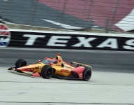 Hunter-Reay tops opening day of Texas test