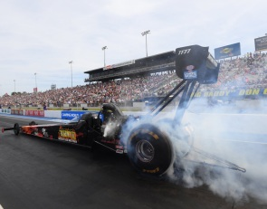 Hart wins in Top Fuel debut to lead Gatornationals champs