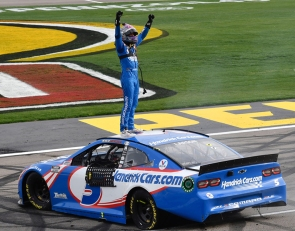 Larson wins at Las Vegas for first Cup victory since reinstatement