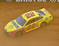Logano holds on for overtime win on Bristol's dirt