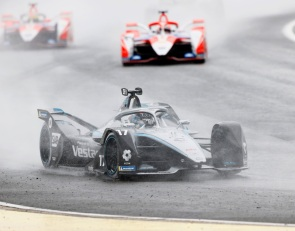 De Vries manages tactics to perfection for Valencia E-Prix 1 win