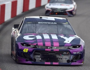 Bowman surges late to win at Richmond