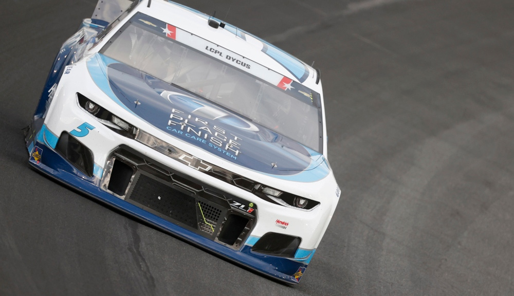 Larson soars to Coca-Cola 600 pole as Hendrick flexes muscle