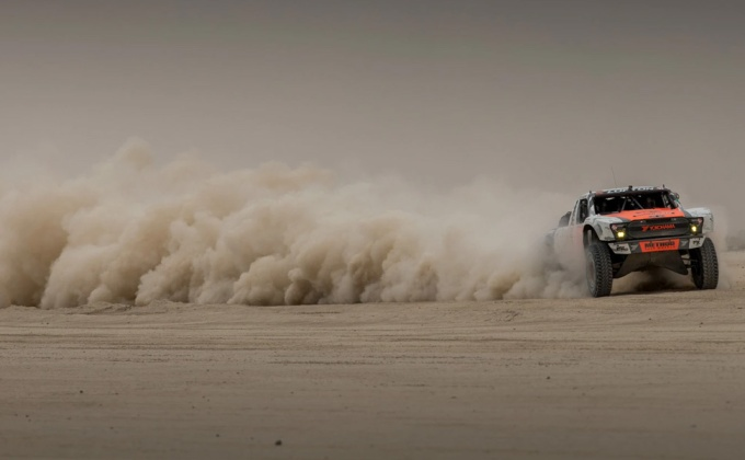 How to drive a Trick Truck, Episode 8: Into the dust