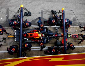 Horner angry at technical directive to slow F1 pit stops