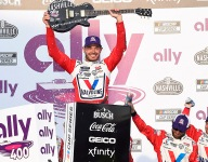 Larson continues summer dominance with Nashville win [UPDATED]