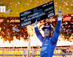 Larson surges to All-Star Race victory in Texas