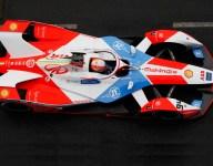 Lynn takes pole for London E-Prix Race 1