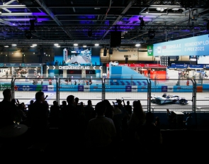Dennis wins on home ground in London E-Prix Race 1
