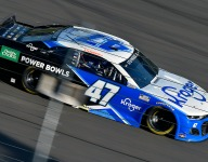 Stenhouse to remain with JTG Daugherty in 2022