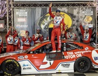 Larson wins in wild Cup playoff race at Bristol