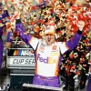 Hamlin rolls to Vegas victory