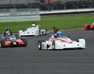 RUNOFFS: De Vries times lead for Formula 500 win